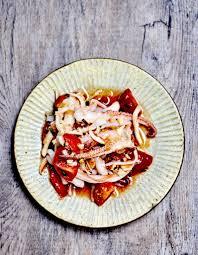 cuisiner de la seiche tomate vierge et seiche pour 4 personnes recettes à table