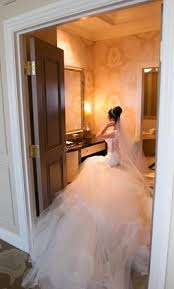 how to sell a wedding dress we ll help you sell your wedding dress fast