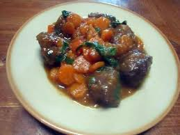 cuisiner de la joue de boeuf recette de joues de boeuf aux carottes et basilic