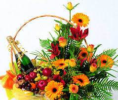 fruit flowers delivery chagne with flowers india