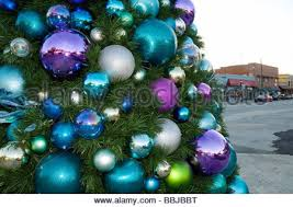 Decorate Christmas Tree Big Balls by Large Christmas Tree Decorated With Christmas Balls Im Weller