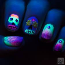 polish hound uv glow halloween sugar skulls u0026 gradient nail art