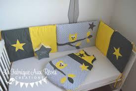 chambre garcon gris thème jaune gris blanc album photos gigoteuse et tour de lit