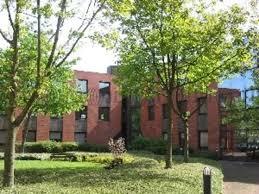 louer des bureaux location bureaux montigny le bretonneux 78180 jll