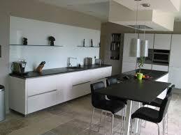 cuisine en verre blanc miroiterie avignonnaise aménager isoler réparer