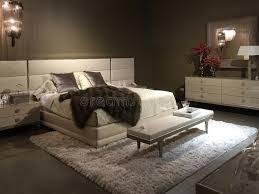 magasin chambre à coucher beaux meubles de chambre à coucher se vendant au magasin image stock
