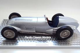 classic mercedes models mercedes w125 1 8 scale model revilo classic models revilo