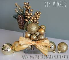 Christmas Centerpieces For The Dining Table by 35 Diy Christmas Table Decorations And Settings Centerpieces