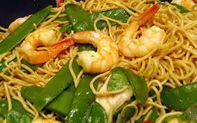 cuisiner des pates chinoises recette wok de nouilles chinoises aux crevettes et aux légumes 750g