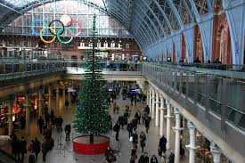 600 000 lego tree stuns passengers at st pancras