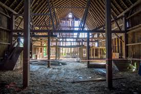 gambrel homes architecture cool barn house construction with ceiling beams and