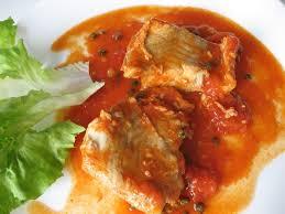 cuisiner le lieu noir recette de filets de lieu noir sauce tomate et poivre vert la