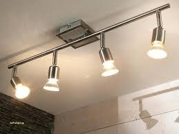 luminaire plafonnier cuisine plafonnier led cuisine maison en bois en utilisant plafonnier led