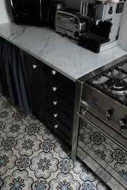 carrelage ancien cuisine contraste carrelage ancien et cuisine moderne carreaux de ciment