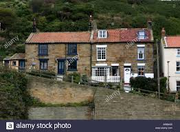 houses built into the hillside and on steep slopes in staithes