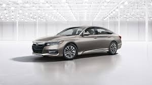 2018 honda accord hybrid more trunk space higher fuel economy