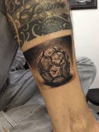 soccer tattoo ball by cesar hencklein tatuagem bola de futebol