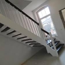 treppe preis wangentreppe holztreppe treppe aus holz treppen aus polen in