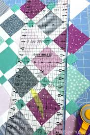quiltologie urban trellis mini quilt the sewing loft