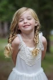Hochsteckfrisurenen Prinzessin by Die Besten 25 Kleines Mädchen Hochsteckfrisur Ideen Auf