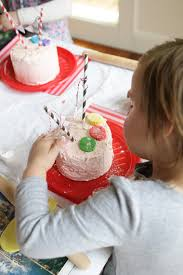Decorating Cakes At Home How To Host A Cake Decorating Party