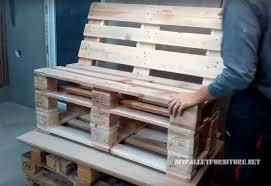 comment fabriquer un canapé comment faire un canapé avec des palettes meuble en palette meuble
