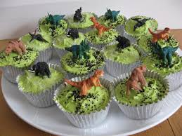 dinosaur cakes clever mums and cup cakes adding a dinosaur theme