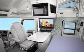 Sleeper Trucks With Bathrooms 10 Tips To Buy Best Sleeper Or Extended Cabin Truck
