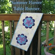 flower table runner tutorial