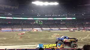 monster truck shows ontario monster jam grave digger freestyle at rogers centre toronto 2013