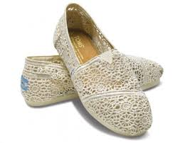 wedding shoes toms screen 2013 03 06 at 7 39 19 am png