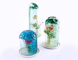 Glas Vases Glass Vases That Create Visual Distortions Design Milk