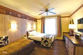 chambre hotel cheyenne chambre hotel disney le disneyland h tel disneyland chambre