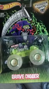monster truck grave digger video walmart monster jam grave digger glow in the dark send off