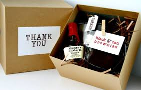 thank you wedding gifts idea alert groomsmen gifts dubai wedding photographer