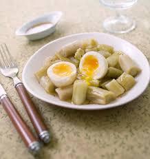 poireaux cuisine salade de poireaux et oeufs mollets les meilleures recettes de