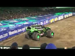 monster energy truck freestyle run monster jam 2017 14