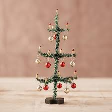 tinsel tree 42919894 000 a 525x525