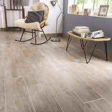 carrelage cuisine sol leroy merlin carrelage sol et mur naturel effet bois oural l 20 x l 60 4 cm