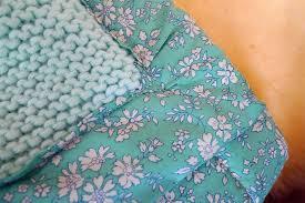 plaids en laine tuto tricoter et doubler un plaid pour bébé fafaille studio