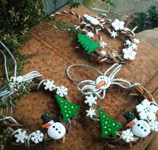traditional mini grapevine wreaths snowman and christmas buttons