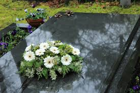 funeral flower etiquette the etiquette of visitations and funerals