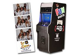 photo booth machine sit n grin photo booth rentals photo booth rentals for