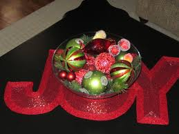 christmas centerpiece for coffee table with glass bowl filled