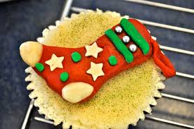 easy marzipan decorations for christmas cupcake ideas cupcake