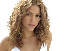 what color is shakira s hair 2015 50 things you probably didn t know about shakira people boomsbeat