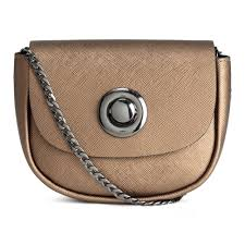fashion trend 13 micro bags that are worth downsizing for