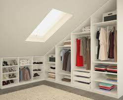 schlafzimmer mit schrã gestalten schlafzimmer mit schrge einrichten schlafzimmer gestalten mit