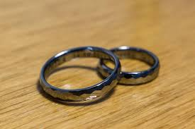 hypoallergenic metals for rings are tungsten rings beneficial for who are allergic to metals