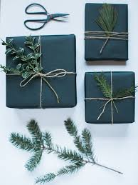 Christmas Decorations With White Paper by Best 25 Black Wrapping Paper Ideas On Pinterest Christmas